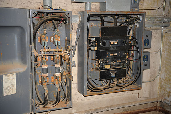 Time to Upgrade Your Electrical Panel in Houston